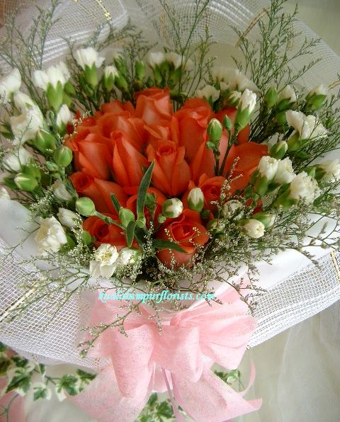 KLHB8477 (Orange pink roses & carnations spray)