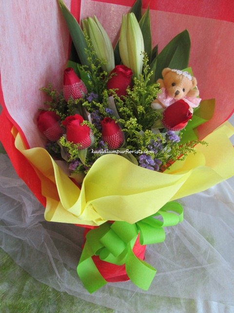 KLHB7384 (Mixed flowers & bear)