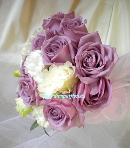 KLWW103 (Purple roses & eustomas)